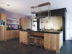 keuken hout met donker blad