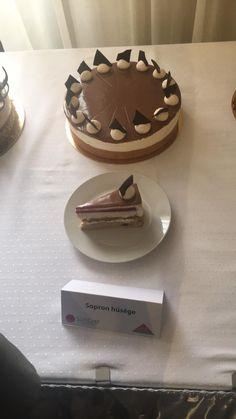 Melyik lesz idén az ország tortája? Íme az 5 döntős! | Mindmegette.hu Place Card Holders, Cake, Food, Kuchen, Essen, Meals, Torte, Cookies, Yemek