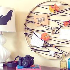 Handmade Gifts Ideas : DIY embroidery hoop card catcher to show off your pretty cards