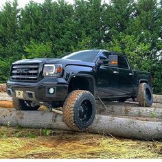 #gmc #2500hd #duramax6point6 Loving that truck and its flexing