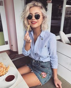 Likes, 47 Comments - Laura Jade Stone . Street Style Outfits, Mode Outfits, Casual Outfits, Skirt Outfits, Short Hair Outfits, Denim Skirt Outfit Summer, Fashion Outfits, Fashion Ideas, Denim Outfits