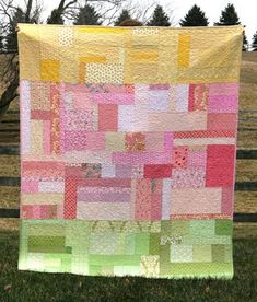 Love the colors, the scrappy-randomness, and the easy piecing of this #quilt. The pattern is for sale.