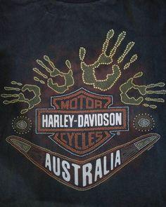📌Harley Davidson Australia 1996HD อก21/ยาว27 ตะเข็บเดี่ยวบน-ล่างคู่ ไม่ข้าง ตำหนิสีเฟด ตอก1996HD