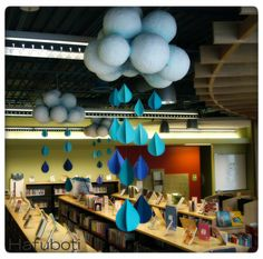 Beautiful indoor rain for April Showers School Library Displays, Middle School Libraries, Elementary Library, Classroom Displays, Classroom Decor, School Library Decor, Science Classroom, Library Design, Library Ideas
