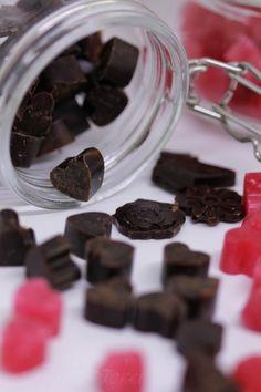 Kakao, Candy, Chocolate, Sweet, Food, Dental Caries, Raspberries, Bakken, Simple
