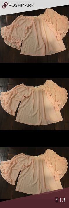 Pink bell sleeve top Cute for summer , date night or casual day out Tops Blouses