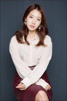 박신혜 Korean Actresses, Asian Actors, Korean Actors, Park Shin Hye, Korean Beauty, Asian Beauty, Fashion Tv, Womens Fashion, Korean Model