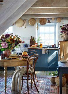 Shaker Kitchen, Rustic Kitchen, Kitchen Dining, Earthy Kitchen, Cozy Kitchen, French Kitchen, Country Kitchen, Kitchen Cabinets, Küchen Design