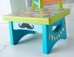 DIY Furniture : DIY Mod Podge circus-themed stool