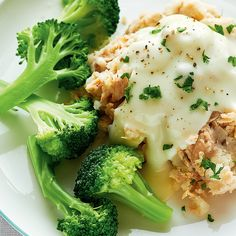 This deconstructed salmon pie without crust makes a simple meal idea comme dinnertime. Corned Beef Recipes, Fish Recipes, Seafood Recipes, Cooking Recipes, Healthy Recipes, Healthy Foods, Salmon Pie, Baked Salmon