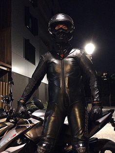 Biker Leather, Leather Gloves, Leather Men, Leather Pants, Rubber Catsuit, Motorbike Leathers, Motorcycle Suit, Biker Gear, Black Men