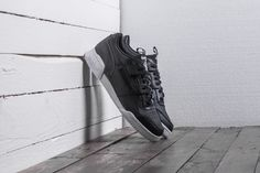 Černé pánské tenisky Reebok Workout Plus IT 2440 Kč | moje-tenisky.cz Reebok Workout Plus, All Black Sneakers, Shoes, Fashion, Moda, Zapatos, Shoes Outlet, Fashion Styles, Shoe