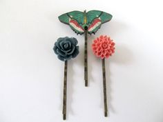 Floral hair pins with butterfly botanical by PaigeandPenelope