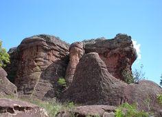 Leão de costas (Lion of the Coast) - one of the sandstone rock formations at Vila Velha State Park, Ponta Grossa, Paraná, Brazil;  photo by Pâmela Lonardoni Mic…, via Panoramio
