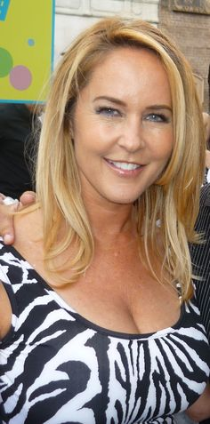 Erin Margaret Murphy (born June is an American actress who is best known for her role as young Tabitha Stephens on the top-ten television sitcom Bewitched, which ran from 1964 to Agnes Moorehead, Hairstyles Haircuts, Cool Hairstyles, Brown Hairstyles, Bewitched Elizabeth Montgomery, Erin Murphy, Star Actress, Long Brown Hair, Female Wrestlers