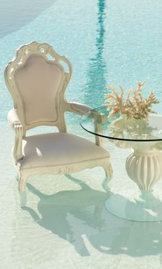 Durable, cast polyurethane makes it possible for our Baroque-inspired Donatella Collection to thrive outdoors.