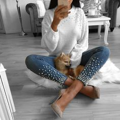 The most universal thing in every woman's wardrobe is jeans. And most of these jeans undergo new changes every season. Diy Jeans, Denim Fashion, Fashion Outfits, Womens Fashion, Fall Winter Outfits, Autumn Winter Fashion, Jean Outfits, Cute Outfits, Estilo Denim