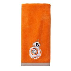 Decorate your bathroom with your favorite droid with this Star Wars hand towel. In orange. Boba Fett Wallpaper, Star Wars Wallpaper, Star Wars Room, Star Wars Decor, Star Wars Tattoo, Star Citizen, Star Wars Bathroom, Star Wars Jewelry, Star Wars Facts