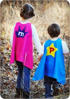 The Super Kid Cape is here to help your little ones save the day! The cape is fully reversible so you can personalize each side for double the fun. Pattern includes 7 fun shapes for appliqueing and a full alphabet. Boys Sewing Patterns, Sewing For Kids, Free Sewing, Pdf Patterns, Pattern Sewing, Superhero Costumes Kids, Superhero Capes, Kids Cape Pattern, Free Pattern