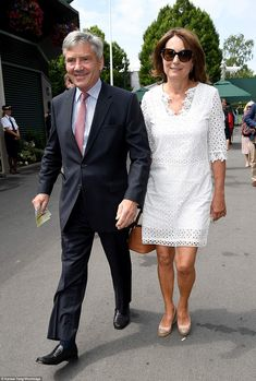 Pregnant Pippa Middleton Just Wore the Prettiest White Sundress to Wimbledon Carole Middleton, Kate Middleton Parents, Middleton Family, Dresses For Wimbledon, All White Party Outfits, Summer Maternity Fashion, Princess Diana Family, White Sundress, Red Carpet Dresses