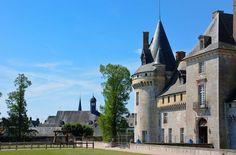 De belles images du château de Sully-sur-Loire à découvrir sur Fotopédia par le photographe Gilles Messian.