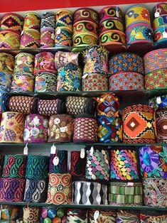 El blog de Georgina: Estamos aquí.... Diy Fabric Jewellery, Textile Jewelry, Vintage Borders, Stylish Dress Designs, Denim Crafts, Flower Coloring Pages, Woven Belt, Galo, Boho Bags