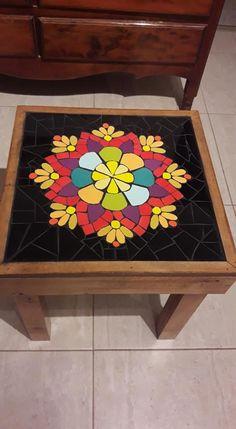 Mosaic Diy, Mosaic Crafts, Mosaic Projects, Mosaic Wall, Mosaic Tiles, Mosaic Outdoor Table, Free Mosaic Patterns, Pinterest Diy Crafts, Mosaic Furniture