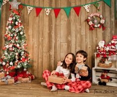 Photodrops Christmas Photo Background, Christmas Photo Booth, Christmas Backdrops, Christmas Minis, Christmas Decorations, Family Christmas Pictures, Christmas Photos, Studio Foto, Theme Noel