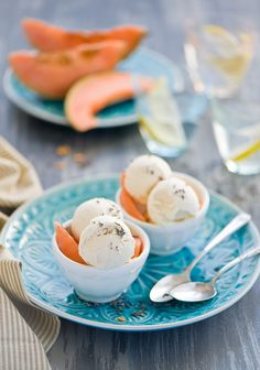 Ice cream with melon pulp: 200g melon juice 1/2 lemon 200 g white chocolate 200 g cream 33% 200g mascarpone Lavender, for nuts supply of melon mash until puree. Melt white chocolate in a water bath with cream Connect together all the ingredients and stir them until smooth Pour into a container for a lot of ice cream and put in the refrigerator for a few hours every half hour stirring with a wooden spoon ice cream, ice cream froze to uniformly . Serve with nuts or lavender.