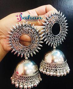 Indian Jewelry Earrings, Fancy Jewellery, Jhumki Earrings, Indian Wedding Jewelry, Antique Earrings, Fashion Earrings, Antique Jewelry, Metal Jewelry, Jewelry Shop