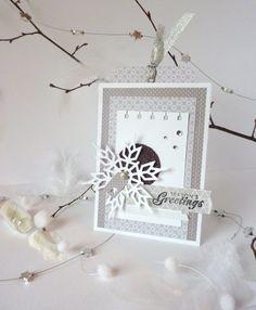 Noël est à peine derrière nous qu'il faut déjà penser à nouvel an et aux traditionnelles cartes de voeux. Je vous propose aujourd'hui quelques modèles, dans des combos et styles différe…