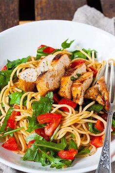 """The post """"Bruschetta Chicken Pasta. This recipe is fast, hearty and damn good. Juicy balsamic chicken, pasta, stewed tomatoes and rocket & this is how summery soulfood & cook-carbo & appeared first on Pink Unicorn Lunch Recipes, Pasta Recipes, Crockpot Recipes, Vegetarian Recipes, Cooking Recipes, Chicken Recipes, Healthy Dinner Recipes, Bruschetta Chicken Pasta, Stewed Tomatoes"""
