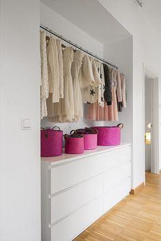 Open dressing room in a wall niche - Wardrobe Closet, Built In Wardrobe, Closet Bedroom, Open Wardrobe, Wardrobe Organisation, Dressing Room Design, Wardrobe Design, Closet Designs, Shop Interiors