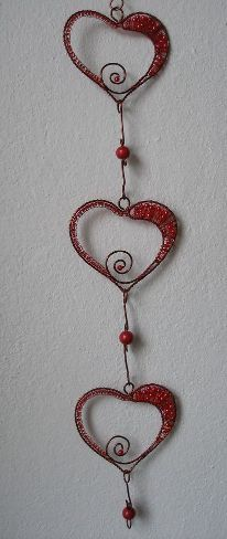 Wire wrap in copper wire instead of beads and add to a whindchime Wire Crafts, Metal Crafts, Wire Wrapped Jewelry, Wire Jewelry, Wire Ornaments, Wire Hangers, Wire Pendant, Handmade Wire, Wire Weaving