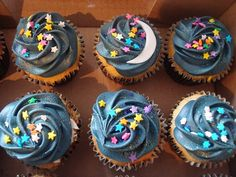 starry night theme baby shower | moon and a starry night themed cupcakes | Baby shower ideas