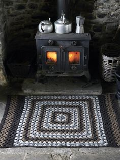 Cartmel Felted Rug from Lakeland by Marie Wallin features 14 handknit designs for women and the home. It is a celebration of British heritage wear, the stunning Lakeland landscape and of British woollen yarns Old Stove, Witch Cottage, Vintage Stoves, Cabins In The Woods, Rowan, Primitive, Sweet Home, Felt, Knitting