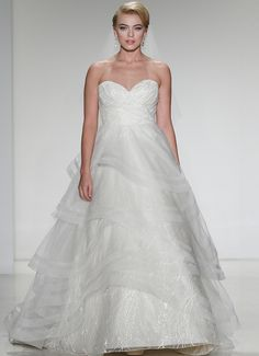 Flirty gown, embellished bodice with vine-like, embroidered overlay