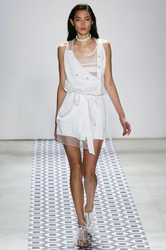 Ohne Titel Spring 2016 Ready-to-Wear Collection Photos - Vogue  http://www.vogue.com/fashion-shows/spring-2016-ready-to-wear/ohne-titel/slideshow/collection#5