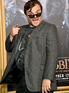 Funny guy Jack Black hit the red carpet rockin' chocolate-hued rectangular sunnies with monochrome tinted lenses!