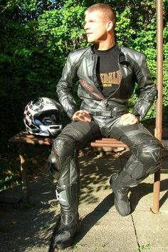 Jackets For Stylish Men. Jackets can be a crucial part of every man's wardrobe. Men have to have jackets for assorted functions and several climate conditions. Motorcycle Suit, Motorcycle Leather, Biker Leather, Black Leather, Moto Bike, Cool Jackets For Men, Motard Sexy, Mens Leather Pants, Leather Jackets