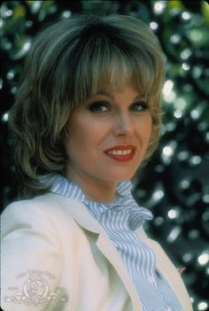 Joanna Lumley - Before, Absolutely Fabulous! English Actresses, British Actresses, Actors & Actresses, British Actors, Joanna Lumley Young, Soap For Sensitive Skin, Bond, New Avengers, British Comedy