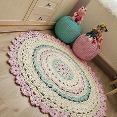 Visit the site for details. Crochet Doily Rug, Crochet Carpet, Crochet Cushions, Diy Crochet, Crochet Crafts, Crochet Projects, Sewing Crafts, Crochet Decoration, Crochet Home Decor