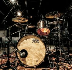 Girl Drummer, Pearl Drums, Hookahs, How To Play Drums, Joan Jett, Drum Kits, Drummers, Girl Bands, Musica