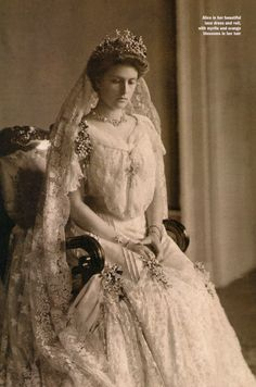 Princess Alice of Battenberg, mother of Prince Philip, Duke of Edinburgh, on her wedding day wearing the tiara she gave him to have an engagement ring made for Princess (now Queen) Elizabeth. Royal Wedding Gowns, Royal Weddings, Wedding Dresses, Lace Wedding, Alice Von Battenberg, Greek Royalty, Princesa Real, English Royal Family, Elisabeth Ii