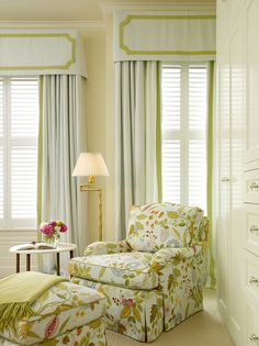 Palmer Weiss Interior Design- love the floral chair and the curtains! Hm Deco, Drapery Panels, Decoration Design, Chair And Ottoman, Cozy Chair, Upholstered Chairs, Window Treatments, Window Coverings, Upholstery