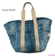Easy DIY Jeans Purse I love recycling jeans. The fabric is sturdy and seems to have 9 lives. Here are some of my favorite projects using old jeans. DIY Bean Bag Game from Jeans Pockets: Thes… Diy Jeans, Sewing Jeans, Diy Bean Bag, Look Casual Chic, Diy Sac, Bags Online Shopping, Shopping Bag, Denim Ideas, Denim Crafts