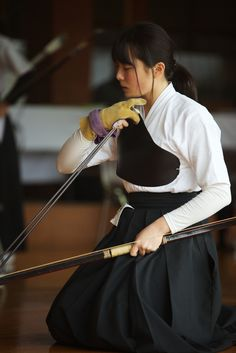 Nervous (Nishi Drew) Tags: life school girls color girl beautiful japan digital 35mm canon uniform telephoto 日本 archery 70200 f28 kyudo 関西 弓道 5dmarkii 5dii sigma70200os 艦これ 正規空母