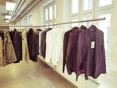 Hanging rail system for clothes. Perfect for showrooms.