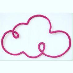 Nuvem para decoração do quarto! Feito em tricot!!!! é muito amor! #handmade #tricot #instadecor #instababy #instakids #nuvemtricot