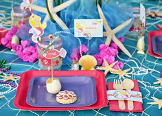 """Girly & Cute Under the Sea Party with sea floor inspired backdrop with """"sea weed"""" and gerber daisies, mermaid treasure favor boxes, & cute fish cake pops. Pirate Birthday, Mermaid Birthday, Girl Birthday, Birthday Parties, Fish Cake Pops, Cute Fish, Mermaid Parties, Under The Sea Party, Paper Lanterns"""